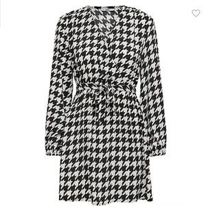 NWT ONLY Houndstooth Printed Dress size M